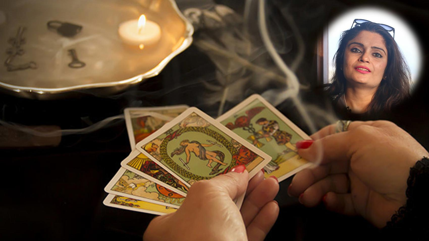 Career in Career-in-Tarot-Card-Reading